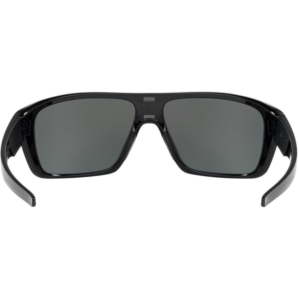 f40a3e0a90 Amazon.com  Oakley Men s Straightback Polarized Iridium Rectangular  Sunglasses