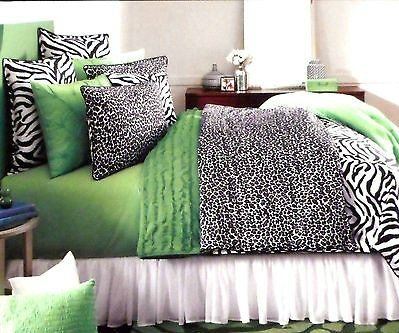 STUDIO D Black White CATZ Zebra Cheetah 3 PIECE TWIN COMFORTER SET   Bundle