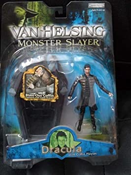 Jakks Pacific - Van Helsing Monster Slayer Dracula Action Figure w/ Coffin Playset by: Amazon.es: Juguetes y juegos