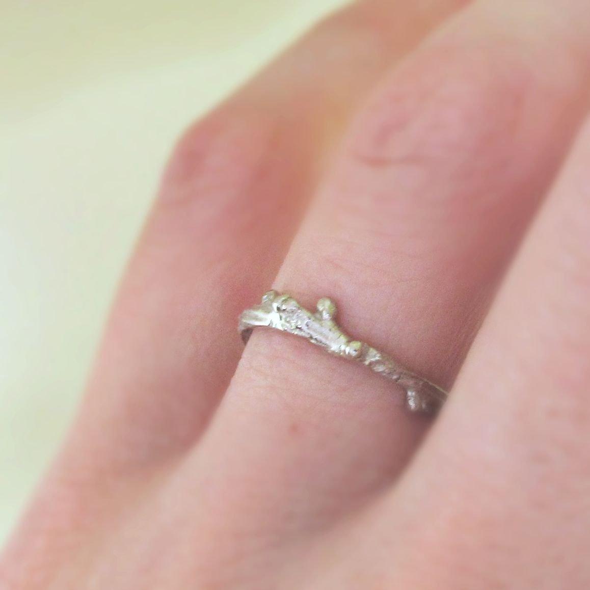 Amazon.com: Live Oak Stacking Ring in 14k Palladium White Gold: Handmade