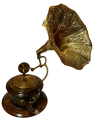 Global Art World Vintage Theme Look Antique Collectible Wooden Art Décor Round Shape Brass Horn Showpiece Gramophone Phonograph BG 03