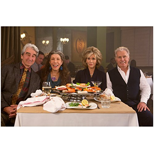 grace-and-frankie-sam-waterston-lily-tomlin-jane-fonda-and-martin-sheen-at-dinner-8-x-10-inch-photo