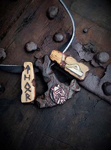 Horn Pendant Celtic Horn - Thor's Hammer Men's pendant with the rune Thurisaz Celtic Viking Nordic Mjolnir FREE SHIPPPING Thor Mjǫllnir is fully handcrafted from leather, wood, bronze and elk horn