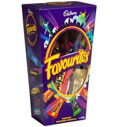 (Cadbury Favourites Chocolate Gift Box (Made in Australia) (320g (11.3 oz)) )