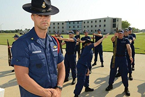 amazon com coast guard uniform regulations ebook u s coast guard rh amazon com coast guard uniform manual 1020 coast guard uniform manual 2017