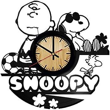 Amazon Com Peanuts 13 5 Wood Wall Clock 85089 Home Amp Kitchen