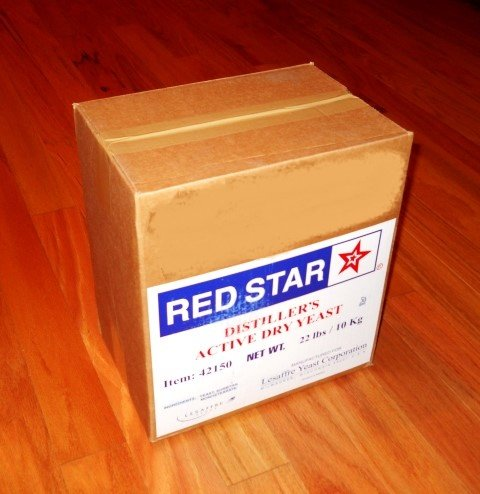 DISTILLERS YEAST 22LB BRICK RED STAR DADY