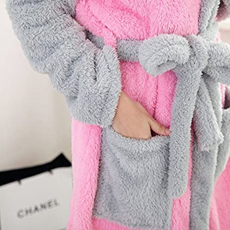 e1d1f16ac4 WTUS Damen Flauschiger Bademantel mit Kapuze Mädchen Saunamantel  Morgenmantel Tier Pyjama: Amazon.de: Bekleidung