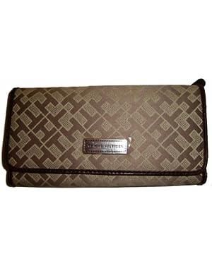 Women's Tommy Hilfiger Continental Wallet (Beige Alpaca)