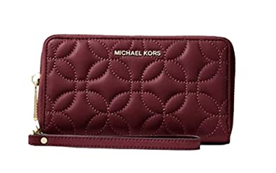 8468e2cf2d3 Image Unavailable. Image not available for. Color: Michael Kors Jet Set  Large Quilted Leather Phone Wristlet Clutch