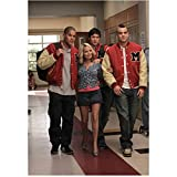 Kristin Chenoweth 8 Inch x 10 Inch PHOTOGRAPH Glee (TV Series 2009 - 2015) Walking Between Dijon Talton & Mark Salling Pose 3 kn