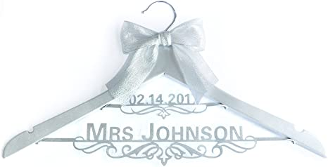 Bridal Shower Gift Wire Name Hanger Wedding Dress Hanger with Chinese Double Happiness Bride Hanger with Name /& Date Gift for Bride
