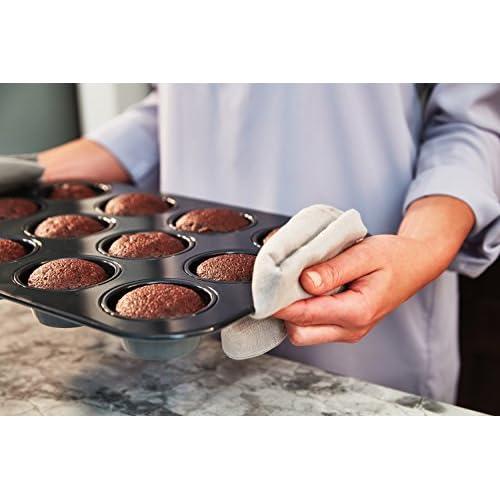 Calphalon Signature Nonstick Bakeware 12-Cup Muffin Pan, 2000605