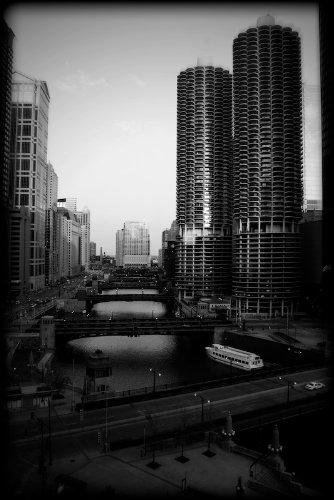 Chicago cityscape marina tower black and white print chbw8814 4x6