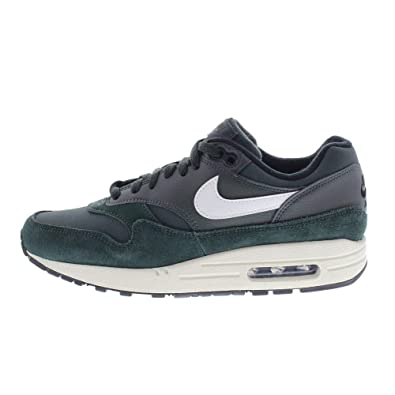 competitive price 6e353 c296e Nike Men s AIR MAX 1 Running Shoes, Mehrfarbig (Outdoor Green Sail-Black