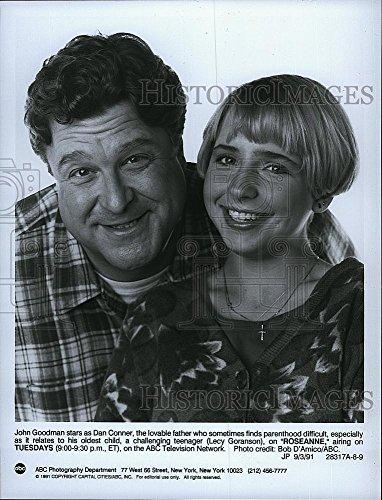 "1991 Press Photo ""Roseanne"" starring John Goodman & Lecy Goranson"