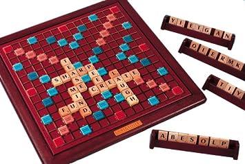 Amazon.com: Scrabble Deluxe con tocadiscos: Toys & Games