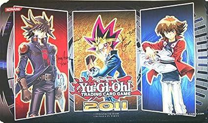Amazon.com: Yu-Gi-Oh. Yusei Yugi Jaden oficial Playmat: Toys ...