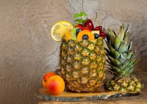 Danny's World Stainless Steel Pineapple Easy Slicer and Corer by Danny's Wholesale