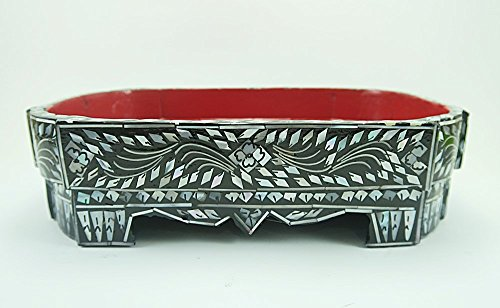 Traditional / Classic Octagon Tray Decorated with Pearl Shell in Thai Pattern