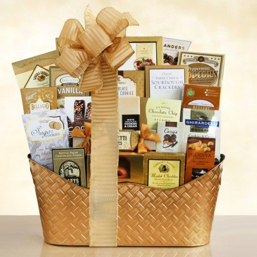 Christmas Gift Basket | Chocolate, Fudge, Cookies, Caramels, Cheese Spread, Crackers and More (Cookie Hampers)