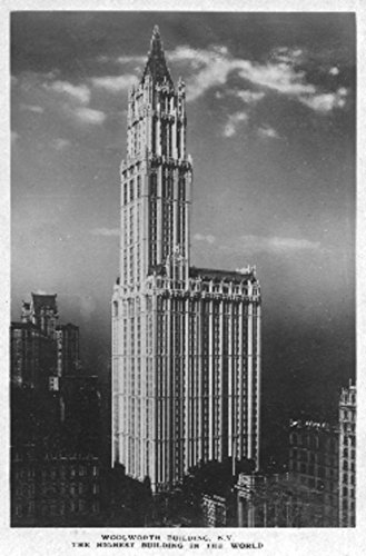 New York, NY - Woolworth Building Photograph (12x18 Art Print, Wall Decor Travel Poster) ()