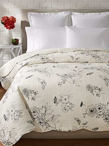 Botanical Quilt Collection, King Quilt, Black by C&F Home
