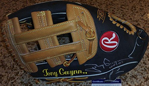 Tony Gwynn Autographed Glove (Tony Gwynn HOF 07 signed auto Rawlings Heart Hide ball glove USA HOH - PSA/DNA Certified - Autographed MLB Gloves)