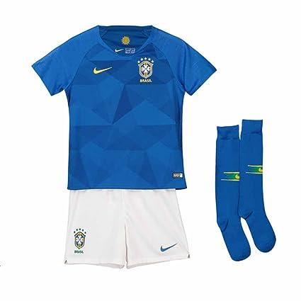 77c4912ffaa Amazon.com   Nike 2018-2019 Brazil Away Little Boys Mini Kit   Clothing