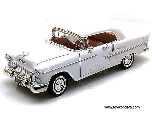 Motormax 1955 Chevy Bel Air Coupe 1/18 Diecast Model Car White ()