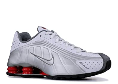 buy online adf13 3eb8a Amazon.com | Nike Shox R4 White/Metallic Silver | Shoes