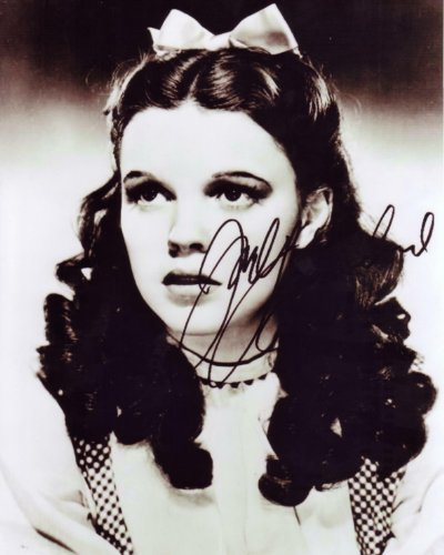 Judy Garland in The Wizard of Oz Signed Autographed 8 X 10 Reprint Photo - Mint Condition