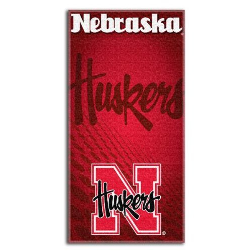 (The Northwest Company Officially Licensed NCAA Emblem Beach Towel)