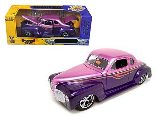 - Road Signature 30038 1941 Plymouth Purple Shyne Rodz 1/18 Diecast Model Car