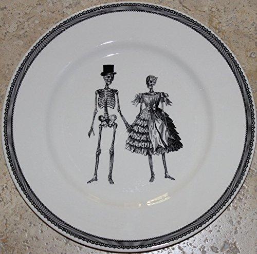 The Victorian English Pottery Halloween Skeleton Couple 11