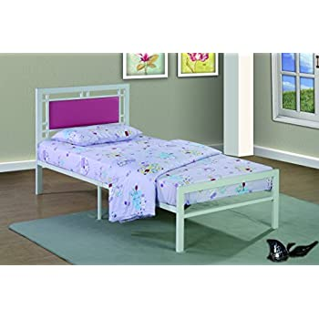 Amazon Com Furniture World Frank Contemporary Metal Bed With