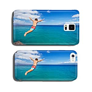 Man jumping off cliff into the ocean cell phone cover case Samsung S5