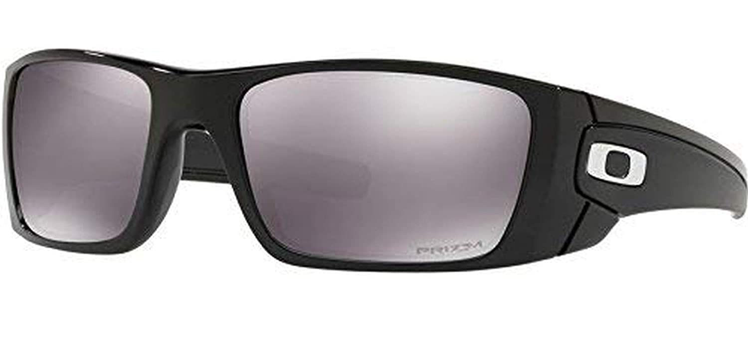 ca4dcf1a7d Amazon.com  Oakley Fuel Cell Color  Matte Black (frame) - Prizm Gray  Polarized (lens)  Clothing