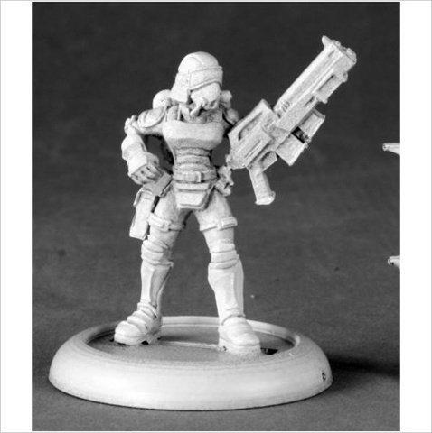 Officer Miniature - Reaper Miniatures 50146 Female Nova Corp Officer