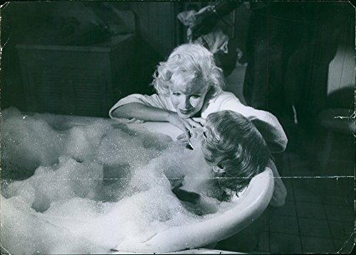 marilyn monroe bathtub poster