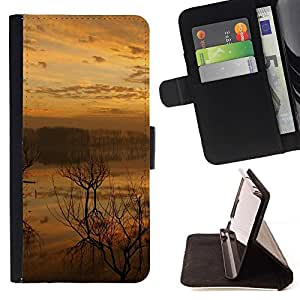 Momo Phone Case / Flip Funda de Cuero Case Cover - Sunset Lake;;;;;;;; - Motorola Moto E ( 1st Generation )