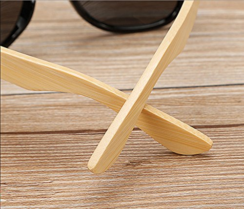 Shiratori Prevent Radiation Classic Bamboo Wood Sunglasses 5 The perfect combination of metal and bamboo. Can reflect the wearer's fashion and personality. The use of human body nose care, more humane design, so that the eyes wear more comfortable, not easy to fall. Unique hinge design, so that the mirror legs more solid, after layers of grinding production.