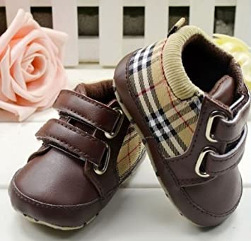 4c08f069b31a Burberry taille 0 - 6 mois - chaussure chausson bébé  Amazon.fr ...