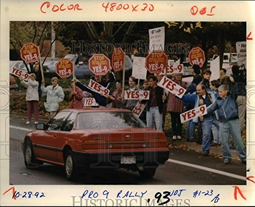 Rally Stage (1992 Press Photo Measure 9 proponents stage rally in Salem, seeking support from)