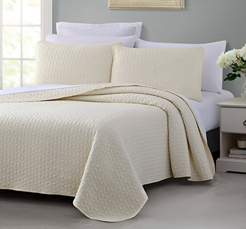 - Vega PREWASHED 3 Piece Quilted Quilt, Coverlet & Bed Cover Set, Stitched Pattern, Solid Color, Soft Microfiber Shell 100% Cotton Filling | Ivory | King/Cal-King Size Bedspread