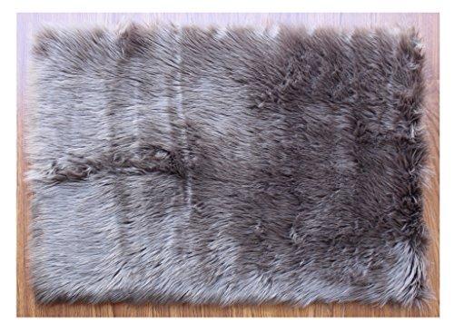 Masada Rugs, Faux Sheep Fur Shag Area Rug Mat (2 Feet x 3 Feet) Beige