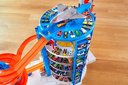 Hot Wheels Super Ultimate Garage Playset Import It All