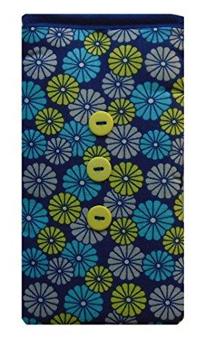 Cute Retro Blue Daisy 1970s Print Apple iPhone SE sock / Case / Cover / Pouch