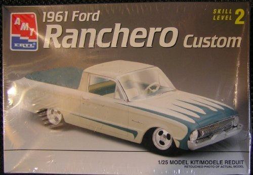 1961 Ford Ranchero Custom: Skill Level 2 Plastic 1:25 Scale Model Kit by AMT (Ford Ranchero Kits)