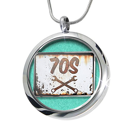 [NEONBLOND Rusty old look car 70s Aromatherapy Essential Oil Diffuser Necklace Locket Pendant Jewelry] (70s Look For Women)